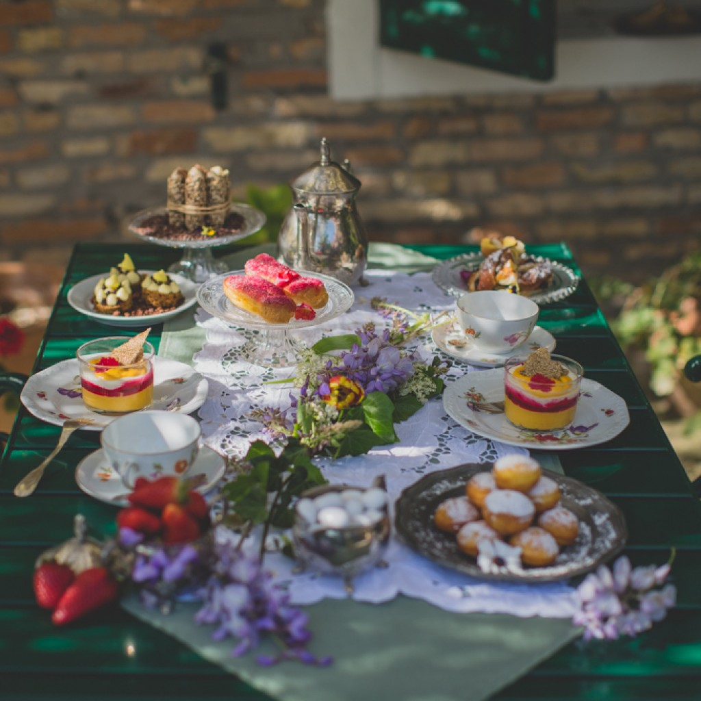 wedding set table